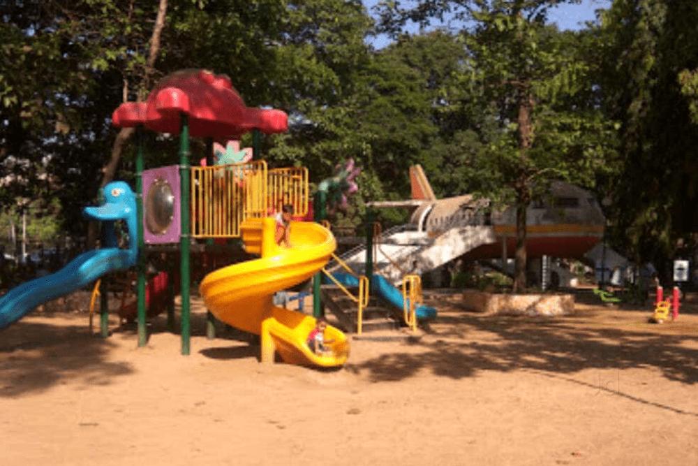 Kids playing on slides., Shivaji Park, dadar west, mumbai